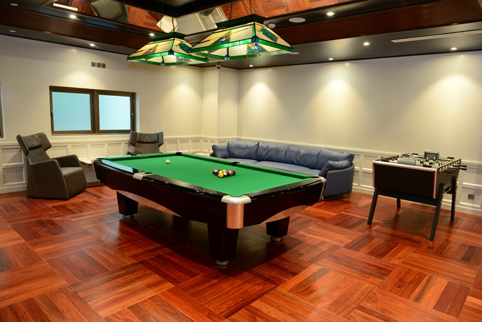 Sherwood Suites - Sports Room